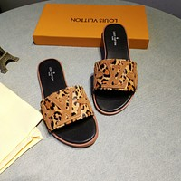 Louis Vuitton LV hot sale ladies velvet and printed letters wool slippers sandals