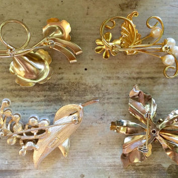 Gold Brooches, Wedding Brooch Bouquet Supplies, Vintage Jewelry, Scatter-pins, Mothers Gift, Set Lot of 4