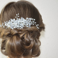 Wedding hair comb Bridal pearl and crystal hair comb Wedding bridal headpiece Crystal hair comb Pearl hair accessory Pearl bridal headpiece