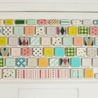 How To Decorate A Laptop Keyboard Using Washi Tape   Shelterness