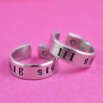 big sis / lil sis  -  Hand stamped Ring Set, Newsprint Font, Shiny Aluminum, Forever Love, Friendship, BFF