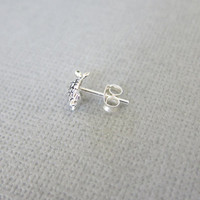 Tiny Turtle Cartilage Earring, Turtle Tragus earring, Nose stud, Helix earring