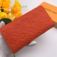 LV Louis Vuitton Newest Fashion Simple Zipper Wrist Bag
