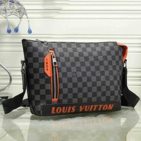 Louis Vuitton LV classic zipper bag men and women fashion one-shoulder messenger bag