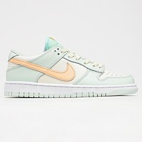 Nike WMNS SB Dunk Low Men's and Women's Sneakers Shoes
