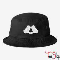 Mickey Mouse Diamond Hands bucket hat
