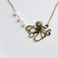Octopus Necklace, Best Friend Necklace, Layering Necklace, White Pearl, Animal Jewelry, Nautical Jewelry, Everyday Fashion, Long Necklace