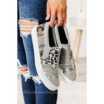 Maddox Canvas Sneakers | Smoke Snake Print