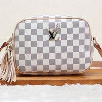 LV Louis Vuitton New fashion single shoulder Messenger bag small square bag