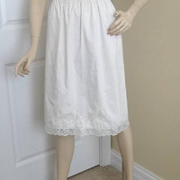 1960s Back Lined Half Slip in White with 1.5 In. Lace Trim & Applique, Sz Small, 25.5 In. Long, Vintage Lingerie, Vintage Clothing, Lingerie