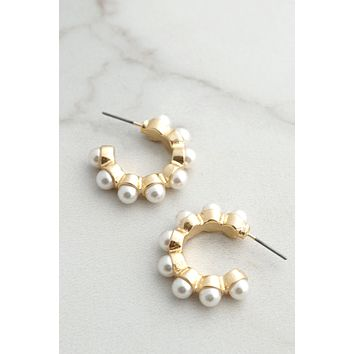 Pearls gold tone hoops