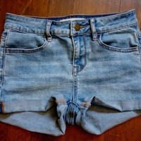 Bullhead Blue Jean Denim Super Stretchy Shorty Shorts Juniors Size 1 25