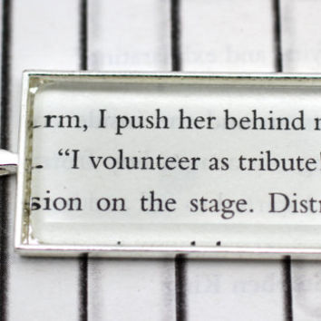 Hunger Games: Katniss ''I Volunteer As Tribute'' Quote Necklace