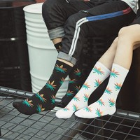 High Quality Cotton Men Socks Fashion Harajuku Street Style Rock And Roll Summer Spring Winter Autumn Casual Long Weed Socks Men