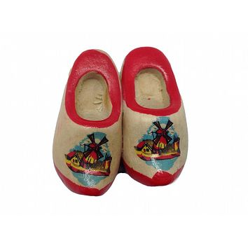 Wooden Shoes Magnetic Gift Red Trim