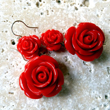 Summer Sale - Flirty Red Roses Earrings  - Spring Jewelry, Summer colors