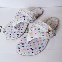 LV Louis Vuitton Trending Slippers Women Casual Flat Sandal Slipper Shoes White