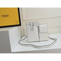 9.2 [Spot] Fendi Spring and Summer 2019 New Type Free Hands One Shoulder Slant Bag