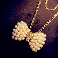 Lovely Cute Pearl Bow Necklace