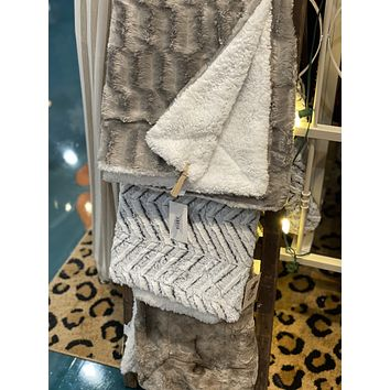 Faux fur throw blankets (other colors)