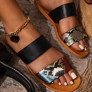 New women's shoes flat-soled one-line casual sandals and slippers