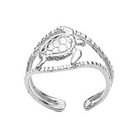 One size fits all Sterling silver polished finish Sea Turtle toe ring