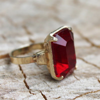 Vintage Bold Red Glass Gold Ring