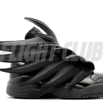"jeremy scott wings 3.0 ""batman"""