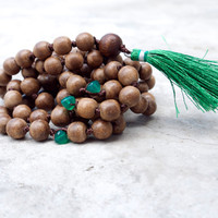 Long wooden mala beads Yoga jewellery Green onyx beaded Green bohemian tassel necklace 108 prayer beads Tibetan buddhist Boho hand knotted