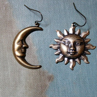 sun and moon mismatched earrings // celestial earrings // mismatched earring set // astronomy earrings