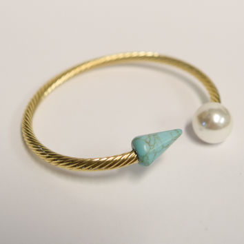 Point to the Pearl Bracelet