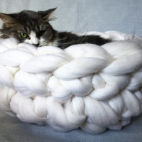 Chunky Cat Bed, Chunky Knit Pet bed, Pet cave, Pet Bedding, Chunky Knit Cat bed, Merino Wool Cat bed,