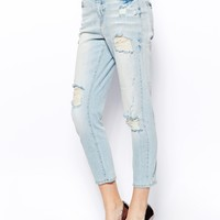 Noisy May Loose Ankle Jeans With Distressing