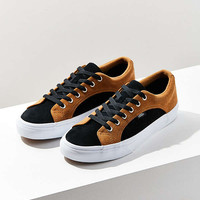 Vans Suede Lampin Sneaker | Urban Outfitters