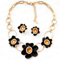 Elegant Retro Style Flowers Crystal Embellished Women's Necklace and Earrings
