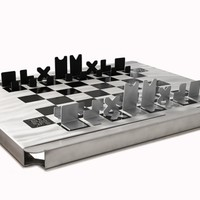 Supermarket: Hartwig Tribute Chess Set from CUCAMPRE