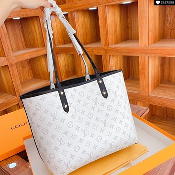 Louis Vuitton fashion large - volume shopping bags available with two - sided shoulder cross-body bag