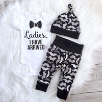 Baby boy coming home outfit, mustache set, Newborn boys going home outfit, new baby set, ladies i have arrived