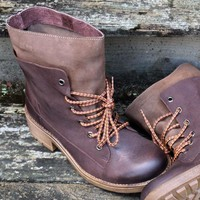 SZ 5 Free Ride Brown Lace Up Ankle Boots