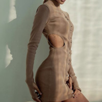 The new line of long - sleeved, sexy, lopsided, round collar, button - wrap dress