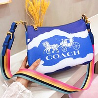 COACH Moon Bud Bag YKK Hardware Logo Practical Lining Logo Gradient contrast colorful bag blue
