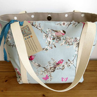 Women's shoulder bag in a beautiful bird and butterfly design. This Emily bag is ideal for the market, shopping or knitting.