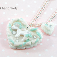 Marshmallow heart necklace with pony