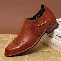 Men's Vintage Baroque Carved Casual Genuine Leather Shoes Brown