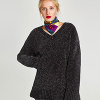 OVERSIZED CHENILLE SWEATER DETAILS