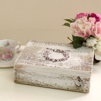 BF1264 - Shabby White Rose Wreath Wooden Box - $22 - The Bella Cottage