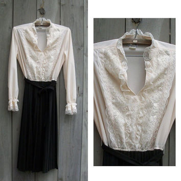 Vintage dress: Ivory and black 1970s Victorian dress with lace trim