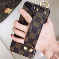 LV Louis Vuitton iPhone7plus Atmospheric Wristband Phone Case Cover F0934-1 coffee plaid