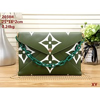 LV 2019 new women's wild chain bag envelope bag shoulder bag Green
