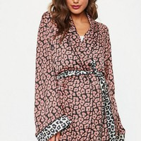 Missguided - pink contrast leopard satin dressing gown